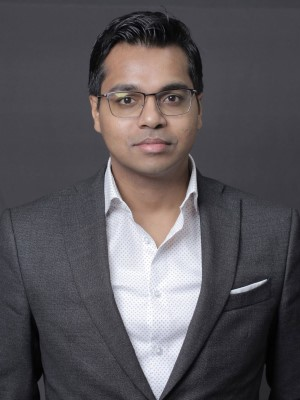 Dr. Rosh Khan